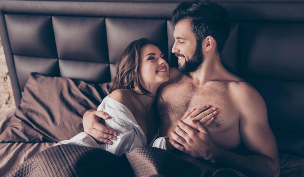 mulher feliz após sexo